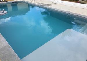 Photo CONSTRUCTION PISCINE BETON ARME SUR MESURE