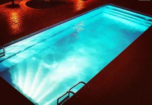 Photo Coques de piscine sortie d'usine vente direct aux particuliers