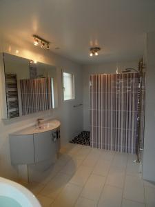 Photo Réalisation et aménagement de salles de bains clés en main