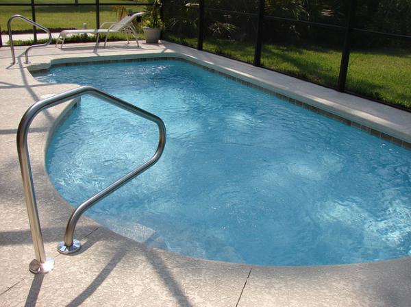 La piscine coque bien penser votre projet forum piscine for Piscine coque forum