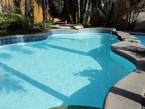 une piscine priv e pour valoriser votre patrimoine forum piscine abris et spa. Black Bedroom Furniture Sets. Home Design Ideas